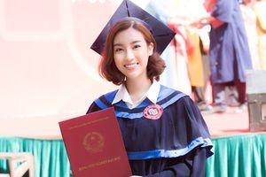 Hoa hậu Đỗ Mỹ Linh rạng rỡ nhận bằng tốt nghiệp đại học