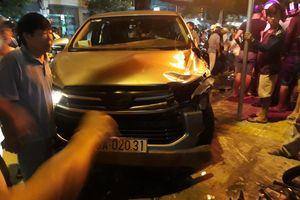 Ô tô 7 chỗ gây tai nạn, 3 người trọng thương
