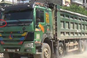Xe quá tải lộng hành, TTGT huyện Phúc Thọ cho rằng tại các bãi vật liệu xây dựng không phép