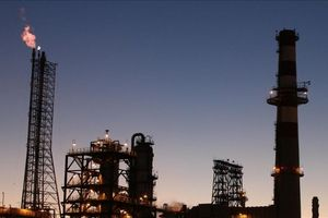 Giá dầu thế giới 15/9: Mỹ thêm sức ép với Iran, giá dầu WTI tăng nhẹ
