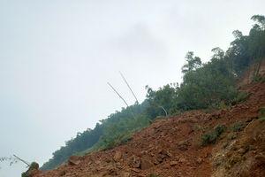 Nỗ lực thông hàng nghìn khối đất trên quốc lộ 15A