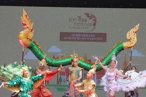 Ẩm thực và nghệ thuật Thái Lan đặc sắc bên hồ Gươm