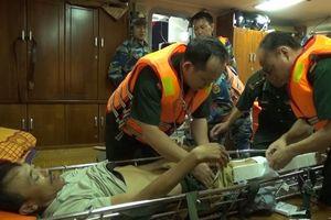 Quảng Trị: Kịp thời cứu sống một thuyền viên gặp nạn trên biển 
