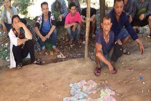 Đột kích sới bạc khủng 'núp' dưới chân chùa Hương Tích