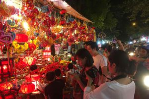 Nhộn nhịp thị trường đồ chơi trước thềm Tết Trung thu