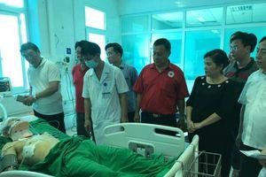 Thăm hỏi nạn nhân vụ tai nạn thảm khốc ở Lai Châu