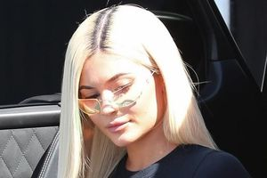 Nàng mẫu 9X Kylie Jenner căng tràn sức sống sau 6 tháng sinh con