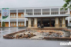 Có dự án hàng chục tỷ đồng, nước thải bệnh viện vẫn đổ ra hồ ở Quảng Ninh