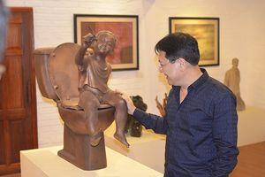 NSND Vương Duy Biên mang 70 tác phẩm sang Pháp để triển lãm