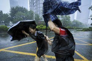 Siêu bão Mangkhut quét qua Trung Quốc gây thiệt hại lớn