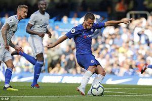 Hazard lập hat-trick giúp Chelsea đại thắng trên sân nhà
