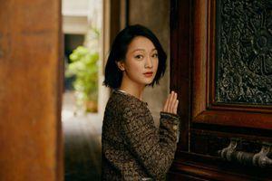 'Kế hoàng hậu' Châu Tấn khoe nhan sắc trẻ trung, giản dị ở Pháp