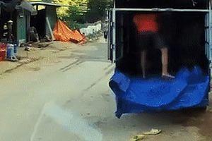 Phóng nhanh tông vào đuôi xe tải, tài xế xe máy tử vong