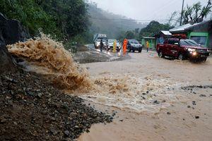 Siêu bão Mangkhut có thể gây thiệt hại 120 tỷ USD tại châu Á
