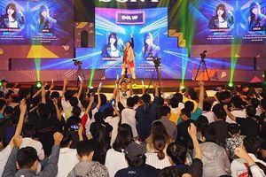 Show công nghệ - giải trí đình đám thu hút hơn 100.000 bạn trẻ