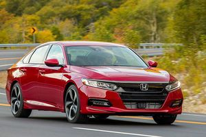 Top 10 mẫu xe cũ bán chạy nhất ở Mỹ