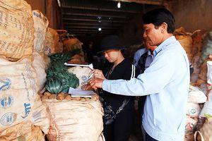 Chuyển hàng trăm tấn khoai Trung Quốc ra khỏi chợ nông sản Đà Lạt