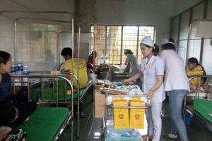 Quảng Trị: 25 người nhập viện sau khi ăn tiệc cưới