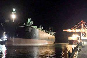 Kiểm tra hầm hàng, 2 công nhân ngạt khí thiệt mạng ở cảng Quy Nhơn