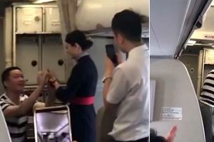 Được bạn trai cầu hôn, nữ tiếp viên hàng không bị sa thải