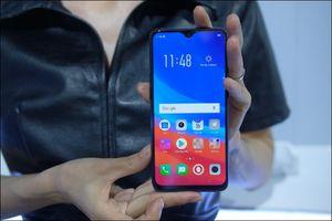 Những điện thoại giá vừa tầm nhưng có tính năng sạc pin nhanh, không sợ hết pin