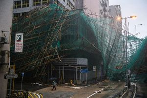 Tả tơi hậu 'vua bão' Mangkhut, Hong Kong vào đợt tổng dọn dẹp tàn dư