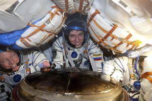 Hết cách lên ISS, Mỹ lại tìm đến Nga