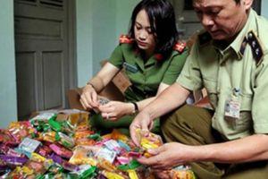 Ráo riết kiểm tra chất lượng bánh kẹo mùa Trung thu