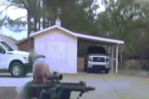 Rợn người video người đàn ông đấu súng, bắn tử vong hai cảnh sát Mỹ
