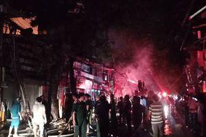 Cháy lớn gần Bệnh viện Nhi Trung ương, khẩn cấp sơ tán bệnh nhân