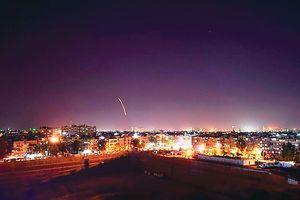 Israel không kích Syria: Đòn thăm dò mở màn bão lửa