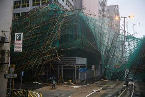 Hồng Kông dọn dẹp sau cuộc càn quét của siêu bão