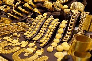 Đầu tuần, giá vàng tiếp tục giữ ở mức thấp