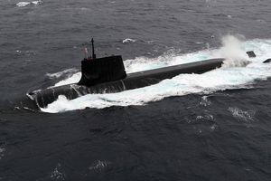 Nhật Bản lần đầu tiên điều tàu ngầm tới Biển Đông tập trận