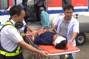 Cấp cứu hai ngư dân bị nạn tại Trường Sa