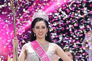 Tân Hoa hậu Việt Nam 2018 Trần Tiểu Vy gây thất vọng với khả năng đối thoại trước đám đông