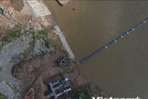 Hạ thủy thành công đường ống nước sạch dưới lòng sông Đuống