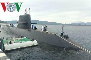 Lần đầu tiên tàu ngầm huấn luyện Nhật Bản đến Việt Nam