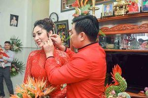Hoa hậu Đại dương Đặng Thu Thảo âm thầm đính hôn với bạn trai