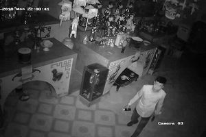 Đột nhập vào chùa trộm cắp đồ thờ cúng