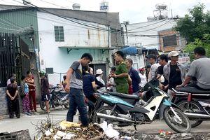 Vợ chết, chồng thoi thóp trong căn nhà ở Sài Gòn