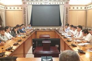 TP. Hồ Chí Minh: Chủ tịch thành phố chỉ đạo ký hợp đồng với 6 thạc sĩ của Đại học Arizona