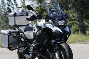 BMW ra mắt xe mô tô tự lái