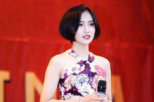 Nữ sinh Xây dựng tóc ngắn cá tính xinh như diễn viên Hoa ngữ