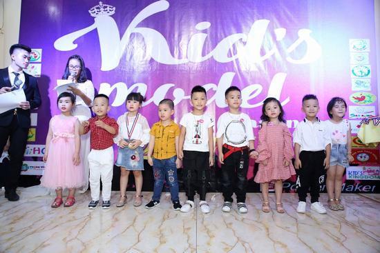 'Ngỡ ngàng' trước sự tỏa sáng dàn thí sinh trong Chương trình Kids Model mùa đầu tiên do Khối Mầm non Tư thục phía Bắc tổ chức