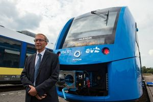 Đức vận hành tuyến xe lửa đầu tiên trên thế giới chạy bằng hydrogen