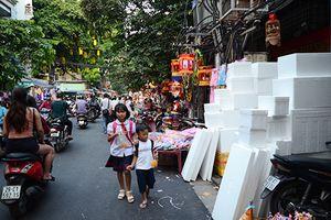 Hà Nội: Tình trạng lấn chiếm vỉa hè tăng cao dịp tết Trung Thu