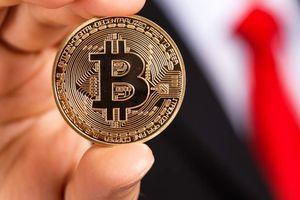 Giá Bitcoin hôm nay 18/9: 'Cá mập' bán ồ ạt, thị trường lao theo chiều thẳng đứng