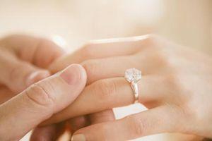 Cô gái ơi, đừng tin vào chiếc nhẫn