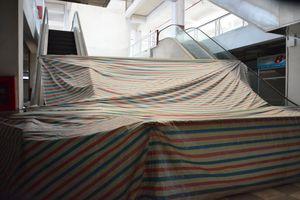Chợ Việt Hưng – Trung tâm thương mại: Đã qua rồi cảnh tấp nập bán buôn